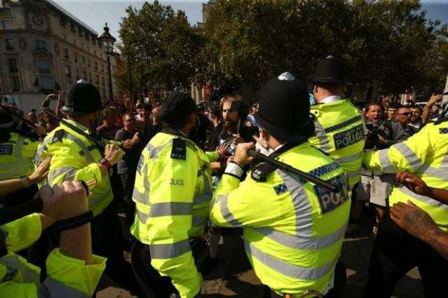 London Police Order Anti-Lockdown Protesters to Disperse From Trafalgar Square