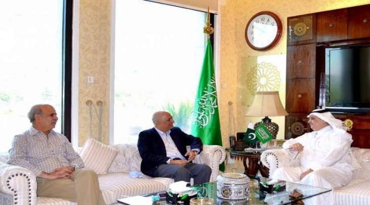 رئیس مکتب الاستثمار السابق ھارون شریف یلتقی السفیر السعودي لدی اسلام آباد