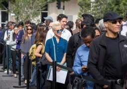US Weekly Jobless Claims Fall to 787,000 for Week to Oct 17 - Labor Dept.