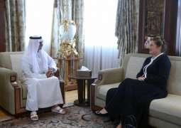 نهيان بن مبارك يبحث مع سفيرة استراليا تعزيز آفاق التعاون