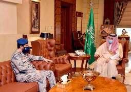 سمو الأمير مشعل بن ماجد يستقبل قائد قطاع حرس الحدود بمحافظة جدة