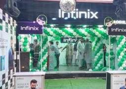 Infinix Pakistan Opens Doors to the First Experience Store in Karachi