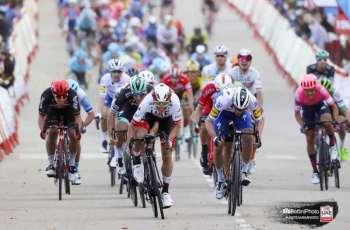 فيليبسن دراج فريق الإمارات يحل ثانيا في جولة إسبانيا
