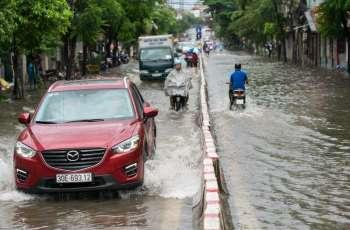 """الإعصار """"مولاف"""" يقتل 13 شخصا ويخلف عشرات المفقودين في فيتنام"""