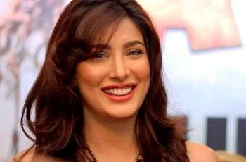 Mehwish Hayat vows to fulfil expectations on her shoulders