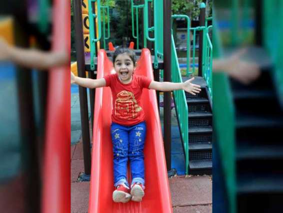 """بمبادرة من """"أم الإمارات"""".. عين صناعية لطفلة سورية لاجئة فقدت إحدى عينيها في انفجار بيروت"""