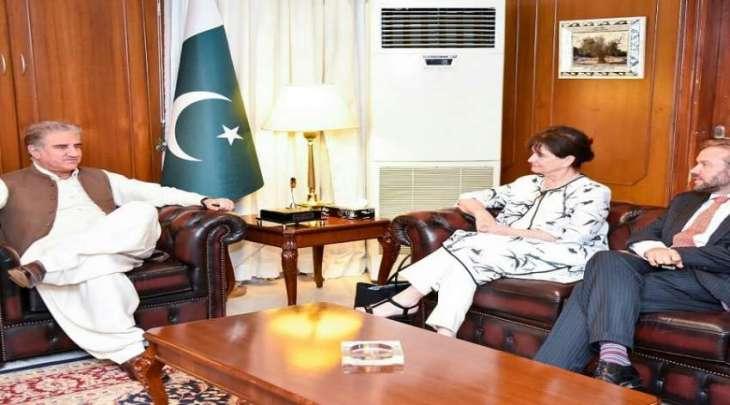 وزیر خارجیة باکستان یستقبل رئیسة بعثة الأمم المتحدة لتقدیم المساعدة فی أفغانستان