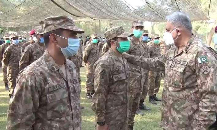 COAS visits areas at Chamb Sector along with LoC
