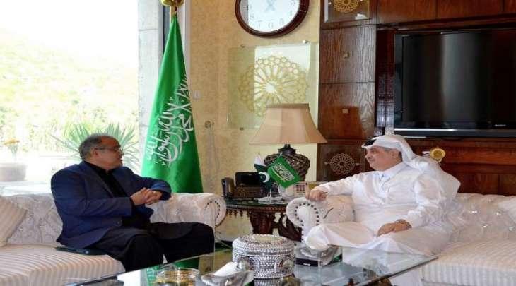 المدیر العام لشوٴون الشرق الأوسط فی وزارة الخارجیة الباکستانیة یلتقی سفیر السعودیة لدي اسلام آباد