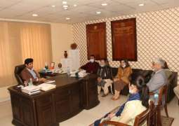 Led by Ms.Shreen Arshad Khan,Vice President,South Asian Development Forum,Ms Ayesha Farooqi, Alia Khan and Mohammad Yaseen, call on Jameel Ahmed Jameel, Managing Director, Punjab Small Industries Corporation in Lahore