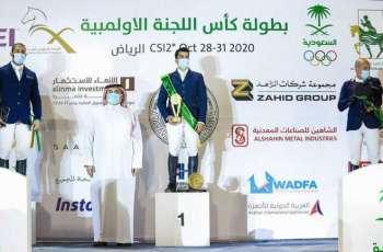 سمو الأمير فهد بن جلوي يتوج أبطال كأس الأولمبية السعودية للفروسية