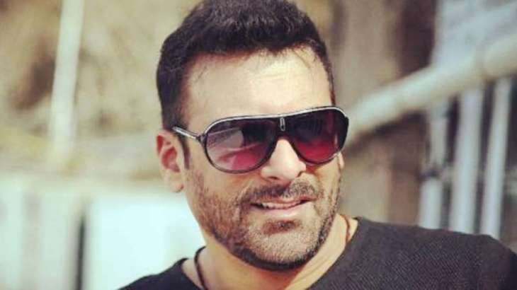 Actor Shamoon Abbasi joins PTI