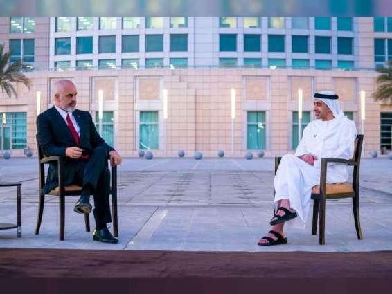 عبدالله بن زايد يستقبل رئيس وزراء ألبانيا ويوقعان اتفاقية التعاون الاقتصادي بين البلدين