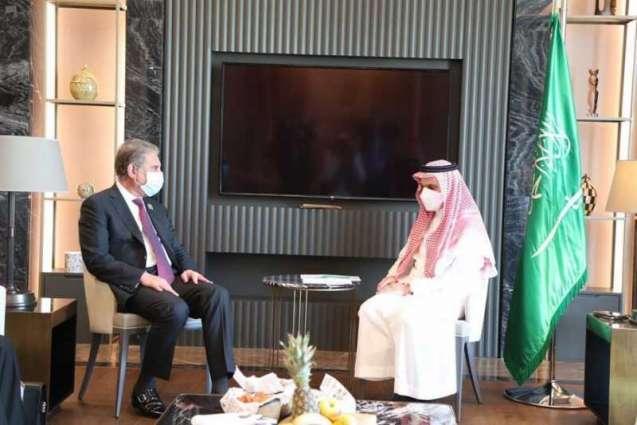 سمو الأمير فيصل بن فرحان يلتقي وزير الخارجية الباكستاني