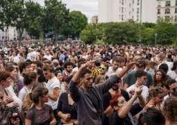 Thousands Protest Closure of Culture Venues in Paris