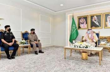 سمو أمير نجران يستقبل مدير شرطة المنطقة