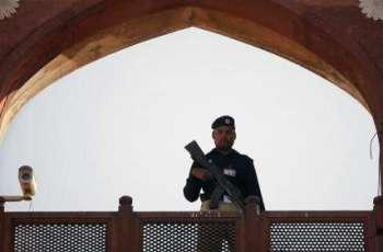 ASI thrashes elderly citizen, grabs huge criticism for Punjab police