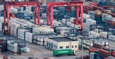 Russia's Trade Surplus Down by 42.7% to $92.7Bln in January-November - Customs Service