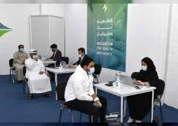 منصور بن محمد يتفقد عددا من مراكز تطعيم كورونا في دبي ويدعو الجميع لتلقي اللقاح