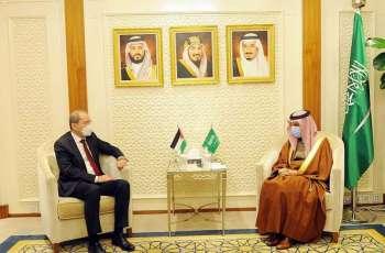 سمو وزير الخارجية يستقبل نائب رئيس الوزراء وزير الخارجية وشؤون المغتربين في المملكة الأردنية الهاشمية
