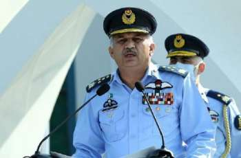 قائد القوات الجویة الباکستانیة یوٴکد أن الأتراک و الباکستانیین أمة واحدة فی دولتین