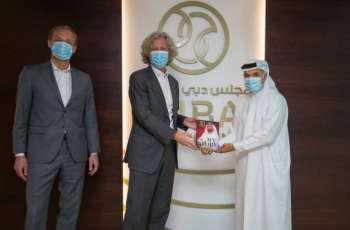 نادي ليغا وارشو البولندي يشيد بجهود مجلس دبي الرياضي في تطوير كرة القدم