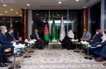 أمين عام رابطة العالم الإسلامي يستقبل وزير خارجية أفغانستان
