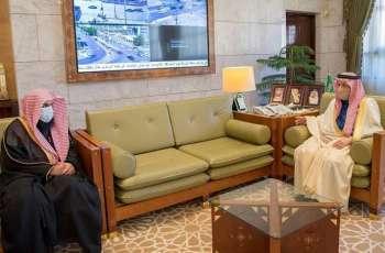 سمو أمير الرياض يستقبل رئيس المحكمة الجزائية بالمنطقة