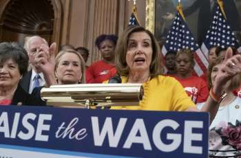Democrats Introduce Bill in Congress to Boost US Minimum Wage to $15 by 2025