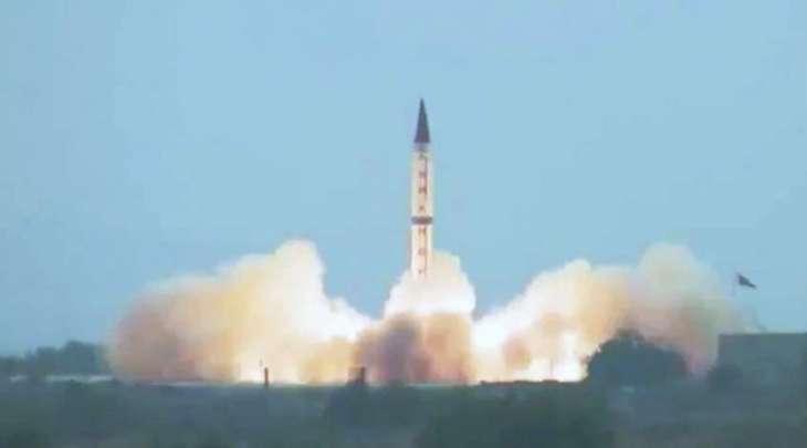 باکستان تعلن عن اجراء تجربة صاروخیة ناجحة یصل مداہ الی 2750 کیلومترا