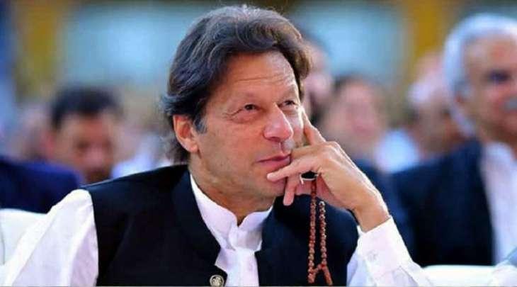 رئیس وزراء باکستان عمران خان یھنئی الجیش بنجاح التجربة الصاروخیة