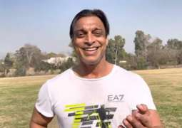 Shoaib Akhtar offers himself to PCB for singing PSL anthem next year