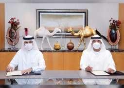 """طيران الإمارات وصحة دبي توقعان اتفاقية للتحقق رقميا من سجلات """"كوفيد-19"""" الطبية الخاصة بالمسافرين"""