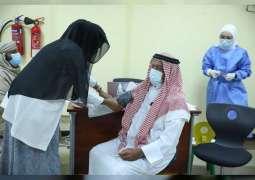 """""""تنمية المجتمع"""": حملة تطعيم كبار المواطنين تشهد إقبالا متزايدا على مستوى الدولة"""