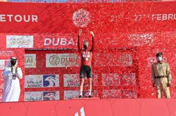 """الايرلندي سام بينيت بطل """"مرحلة دبي"""" في طواف الإمارات .. وبوجاتشار يحتفظ بالقميصين الأحمر والأبيض"""