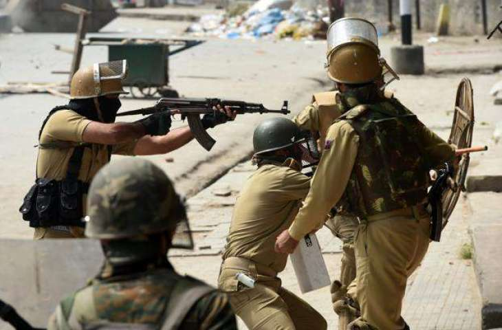 Two Policemen Die After Terrorist Attack in Jammu and Kashmir - Sources