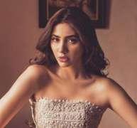 Mahira Khan's funny video stuns fans