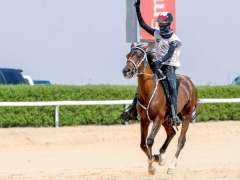 عبدالله العامري يتوج بلقب كأس ولي عهد دبي للقدرة