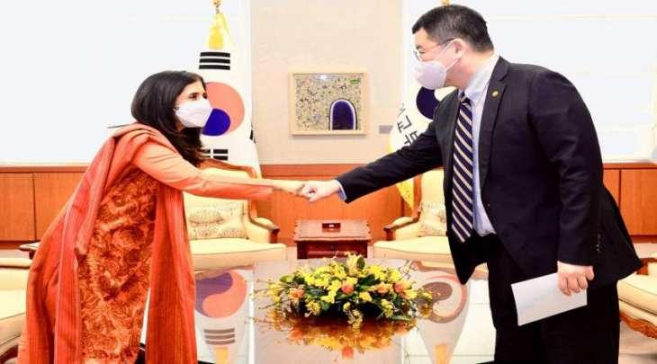 سفیرة باکستان لدی کوریا الجنوبیة تجتمع بنائب وزیر خارجیة البلاد تشوی جون کون