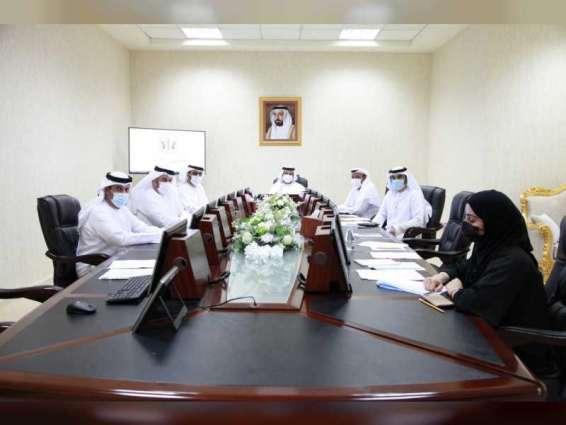 لجنة باستشاري الشارقة تطلع على 16 ردا من جهات حكومية