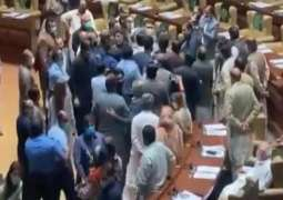 PTI lawmakers attack disgruntled members of their parties