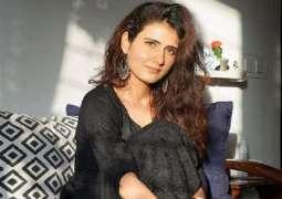 اصابة ممثلة ھندیة شھیرة بفیروس کورونا المستجد