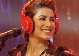 Mehwish Hayat sings in melodious voice