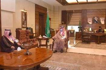 سمو الأمير مشعل بن ماجد يستقبل مدير مكافحة المخدرات بمنطقة مكة المكرمة