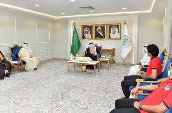 سمو  أمير نجران يستقبل مدير فرع وزارة الرياضة بالمنطقة ورئيس نادي شرورة