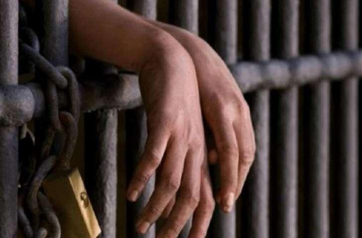 السجن ثلاثة أشھر و الابعاد بحق أفغاني قطع اصبعین من ید زملیہ الباکستاني فی الامارات