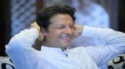 رئیس وزراء باکستان عمران خان یفوز فی انتخابات برلمانیة لتجدید الثقة