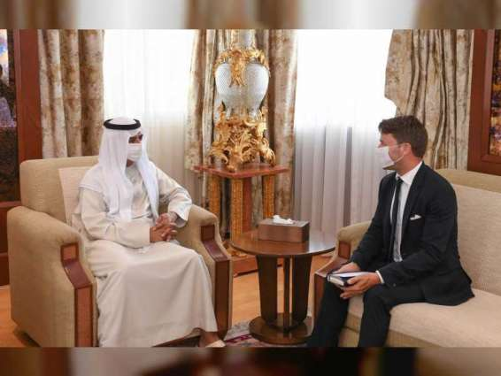 UAE, France discuss ways to promote strategic ties
