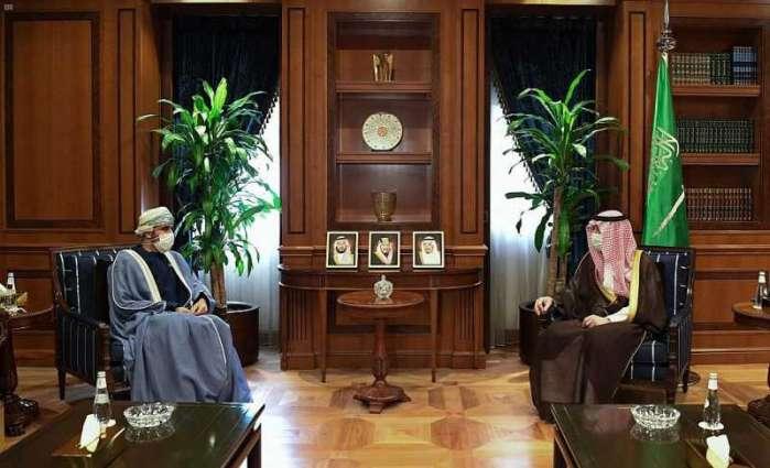 وزير الدولة للشؤون الخارجية يستقبل سفير سلطنة عمان لدى المملكة