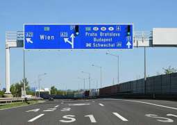 Traffic on Prague-Bratislava Highway Halted After Explosives Found During Repairs - Police